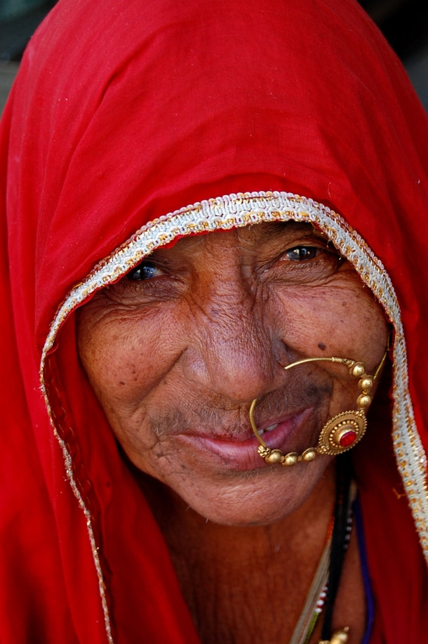 Red is supposed to be a passionate, fiery colour but this lady in Roopangarh, India glows with so much grandmotherly wisdom and kindness, it's a comfort just to look at her.